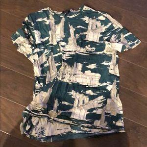 Burberry t shirt